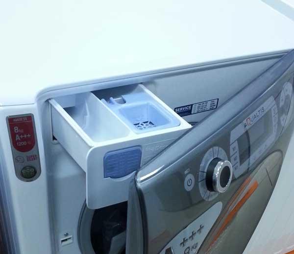 Foto sertar detergent si deschidere usa Ariston Hotpoint AQ83D29EU